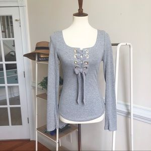 FREE PEOPLE• grey wide lace long sleeve top 962